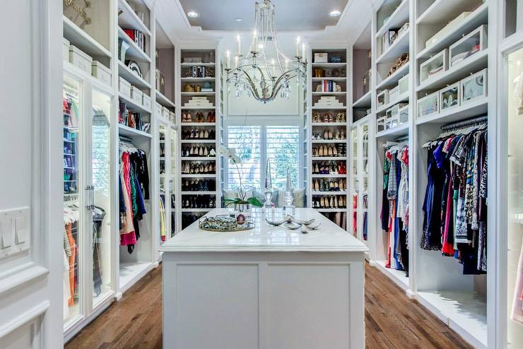 gray-walk-in-closet-ceiling